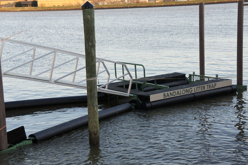 Washington, DC Installs Two New Bandalong Litter Traps on the Anacostia River